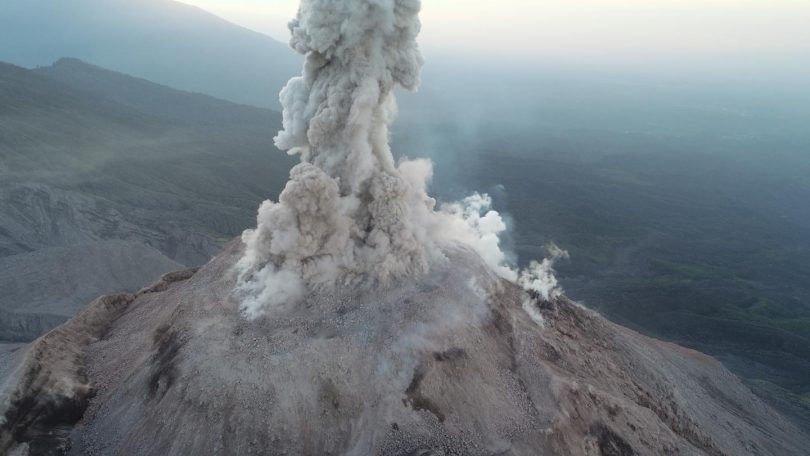 Volcán estudio con drone DJI