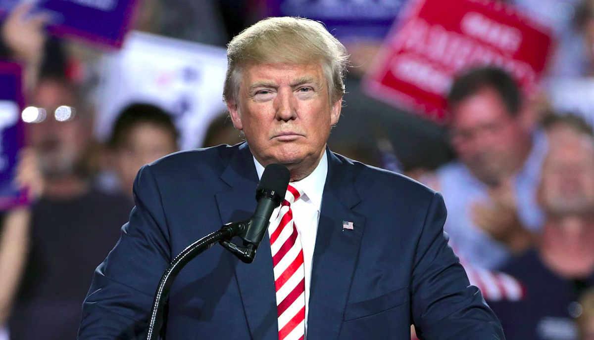 Donald Trump amenaza con cerrar redes sociales, tras un pleito con Twitter