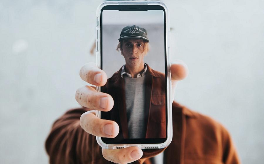 Una alternativa que utiliza reconocimiento facial para encontrar cualquier cara en internet