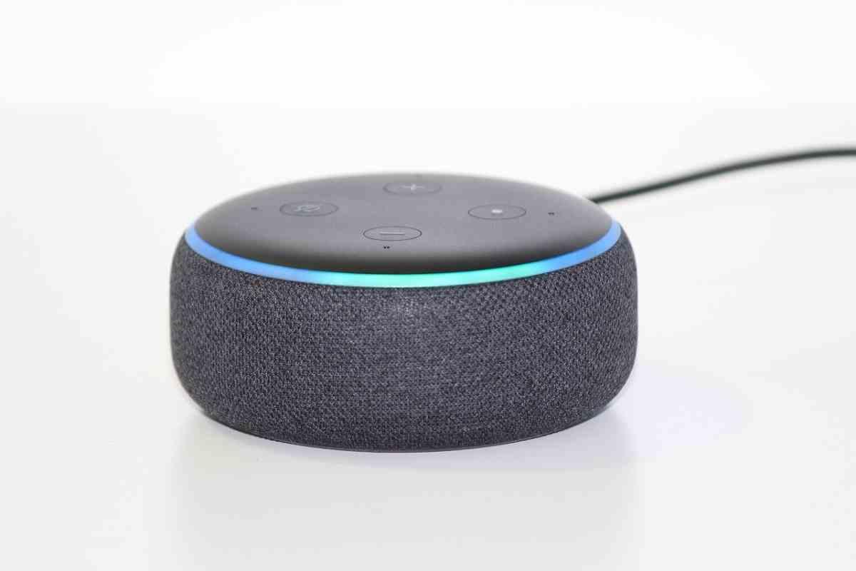 Alexa ya permite realizar conversaciones grupales entre todos los altavoces Echo