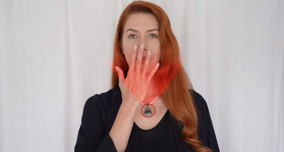 La NASA inventa un dispositivo que recuerda no tocarse la cara