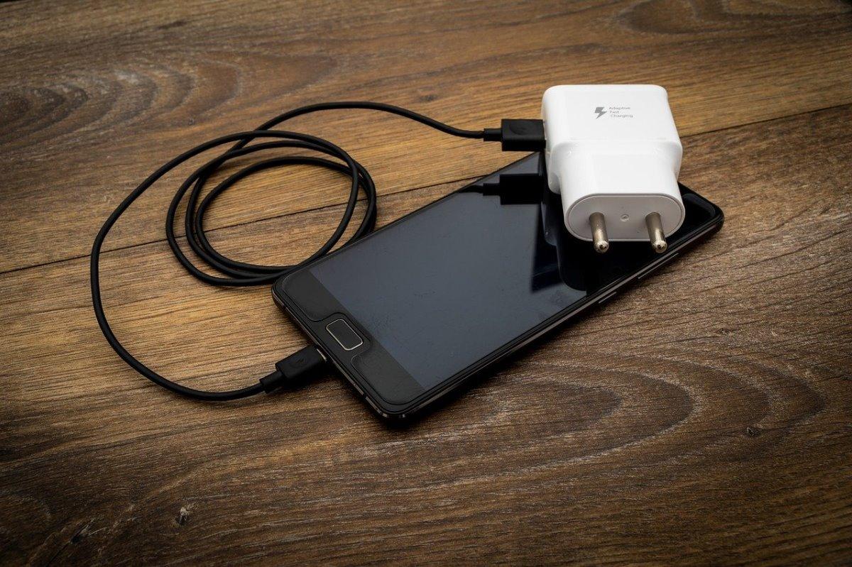badpower metodo para hackeaqr cargador de telefono inteligente
