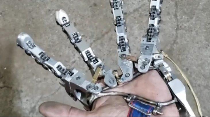 dedos protesicos controlados con la muñeca