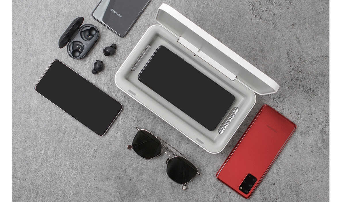 Samsung lanza un cargador inalámbrico que elimina los gérmenes de tu móvil con UV