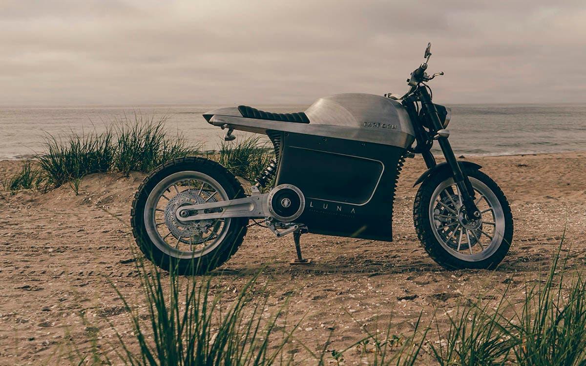 Tarform Luna, una moto eléctrica cargada de futurismo y vanguardia