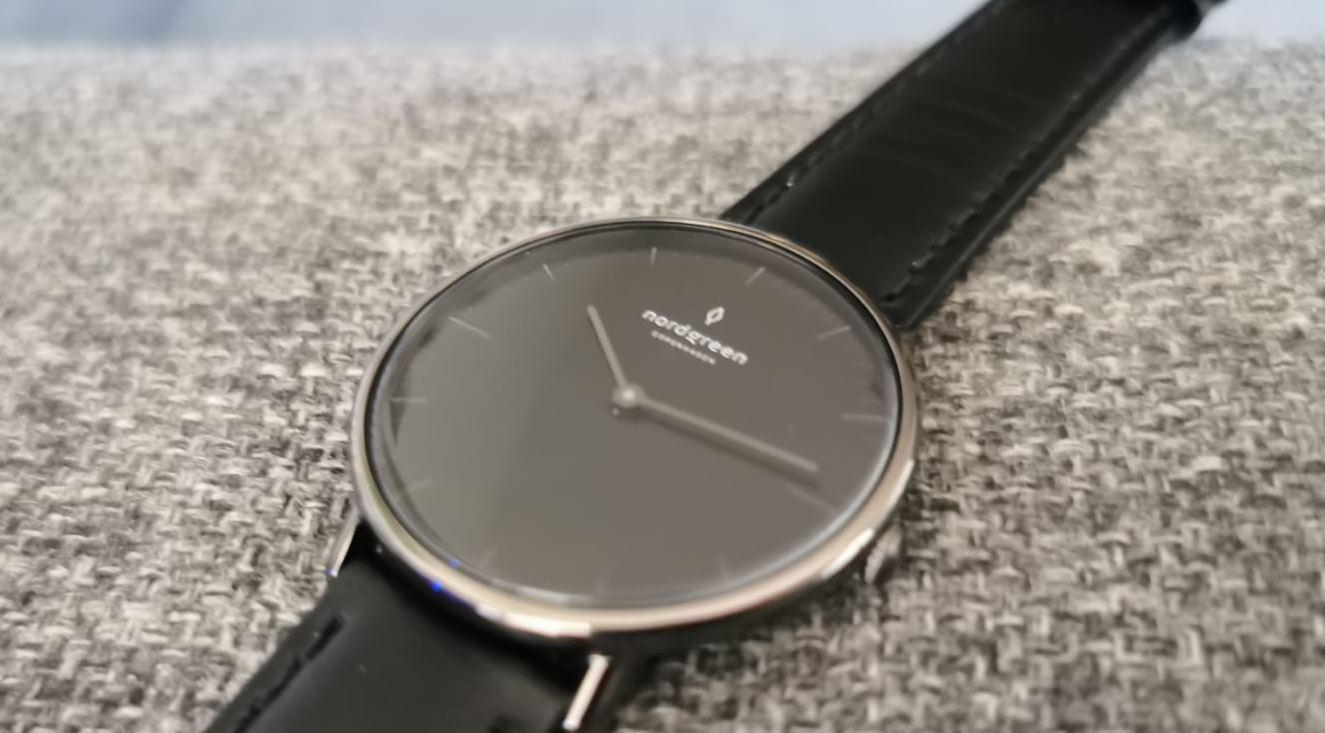 La tecnología dentro de un reloj clásico