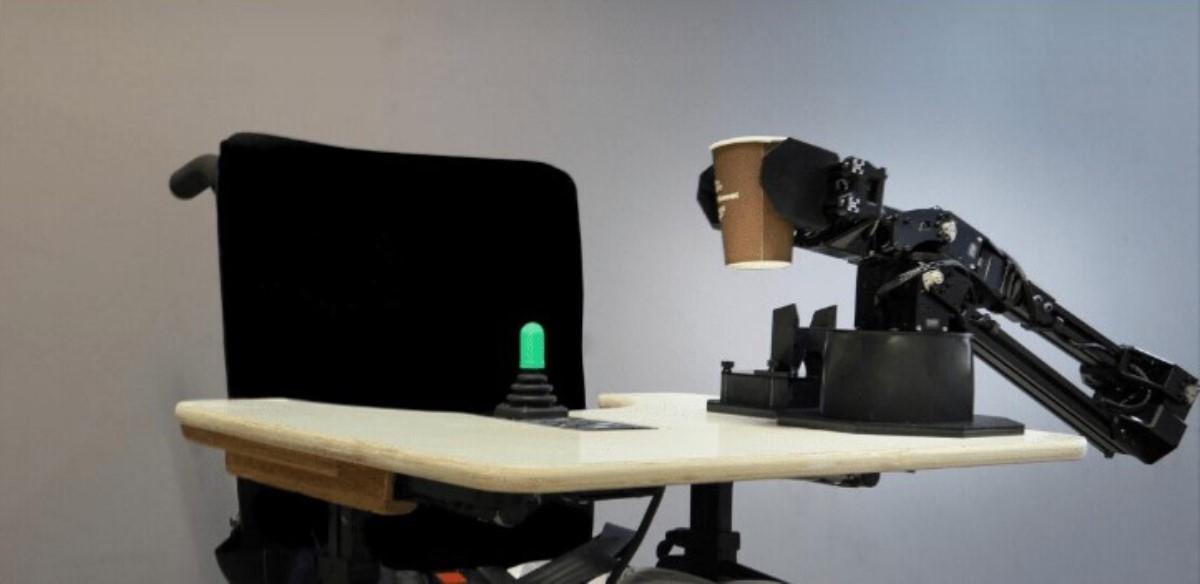 Intel desarrolla chip neuromorfico que podría abaratar costo de los brazos robóticos para sillas de ruedas