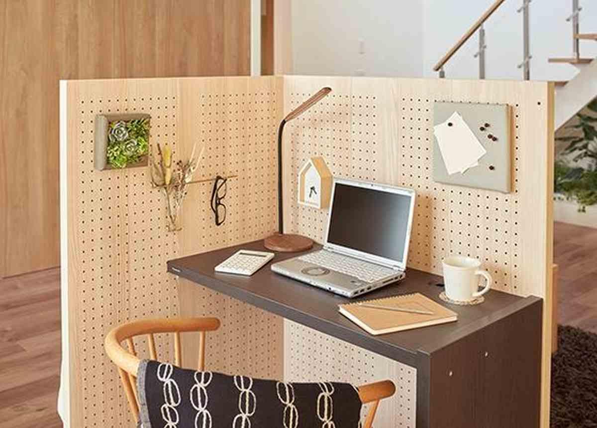 Así es Komoru, el cubículo de oficina creado por Panasonic para instalar en el hogar