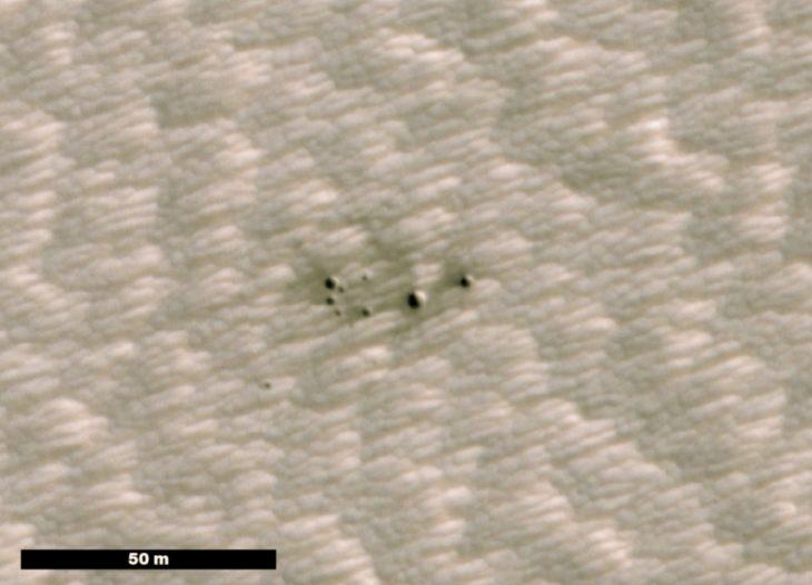crateres en imagenes de martes descubiertos por inteligencia artificial