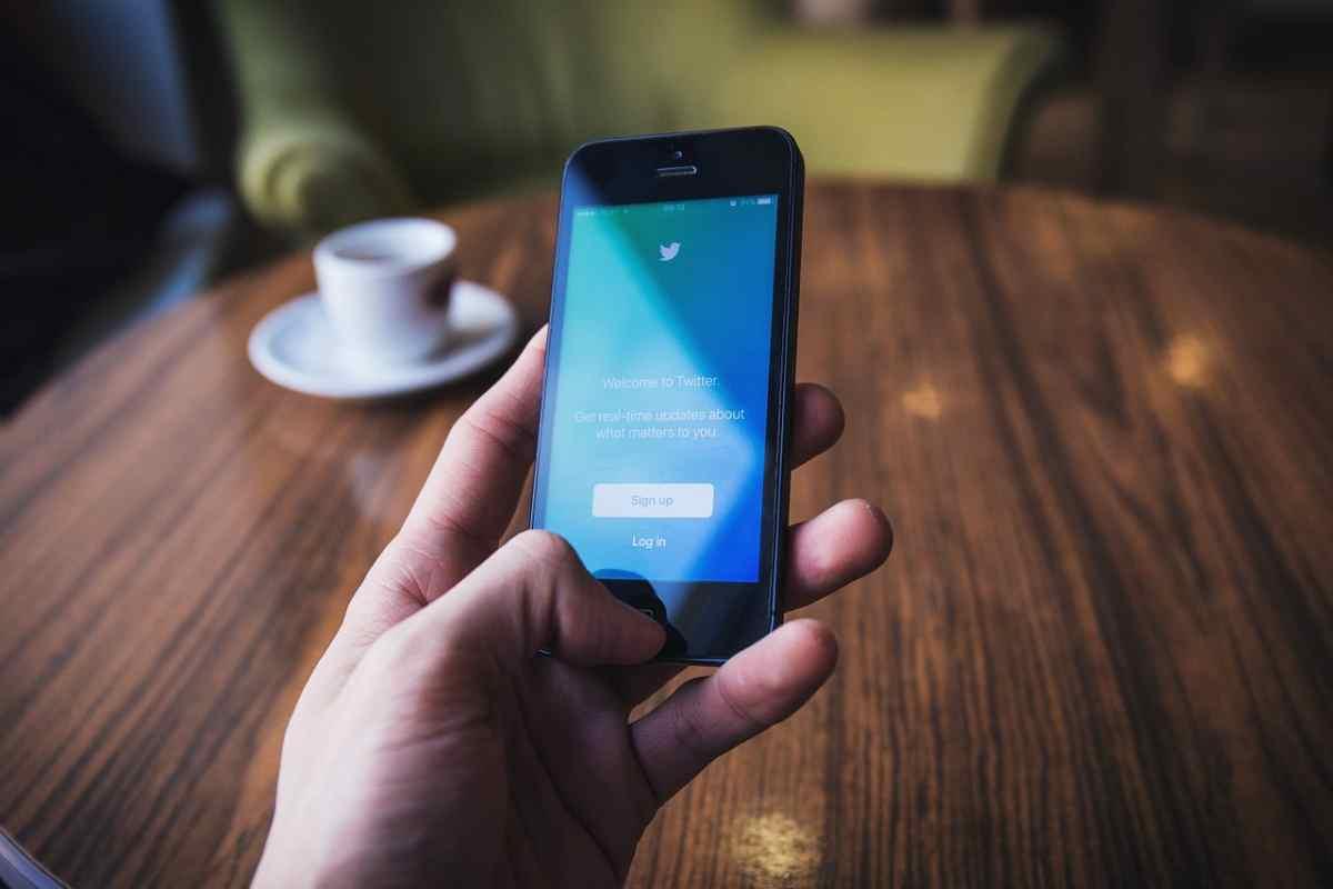 Twitter modificará su sistema de recorte de imágenes para minimizar sesgos