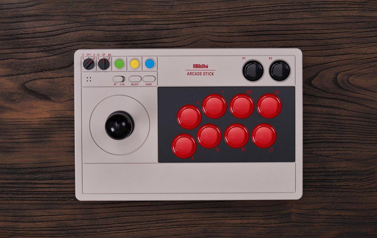 Conoce al 8BitDo Arcade Stick, un stick de pelea para usar con Nintendo Switch
