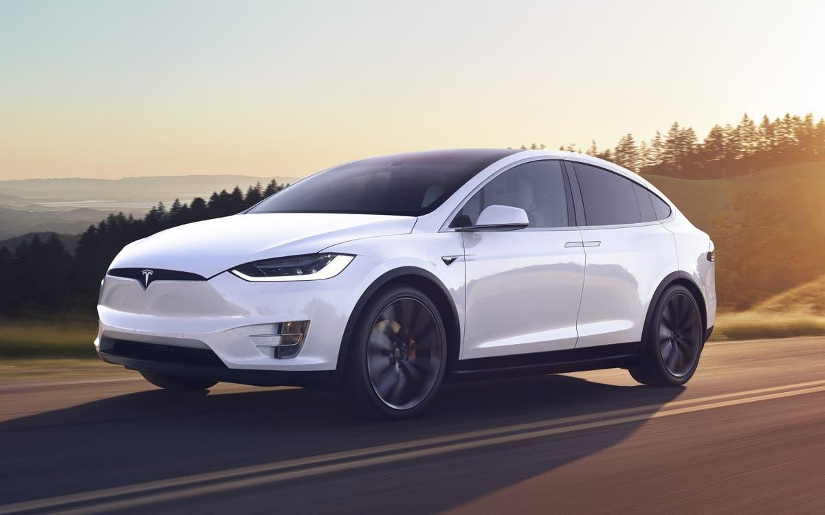 Estudiantes logran hackear sistema del Tesla Model X en 90 segundos