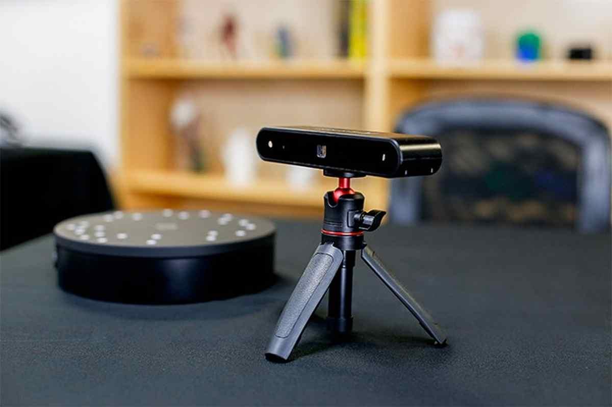 Un sencillo pero interesante escáner 3D que triunfa en Kickstarter