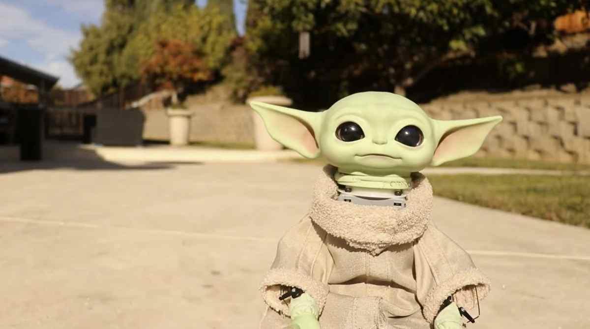 Consiguen convertir a Baby Yoda en un robot que te puede seguir mediante IA