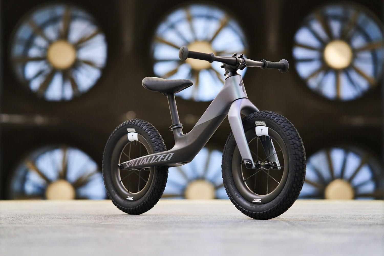 Conoce la Specialized Hotwalk Carbon, la nueva bicicleta de equilibrio para niños
