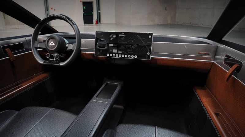 interior coche electrico alpha ace