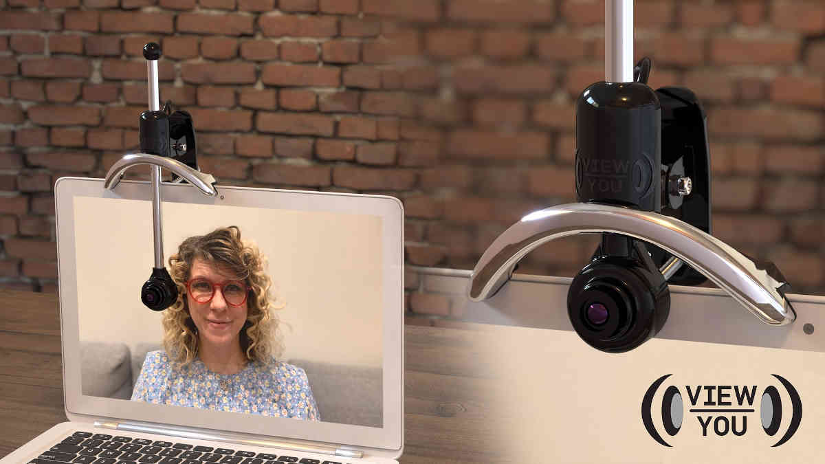Una cámara web de altura ajustable, para mantener el contacto visual