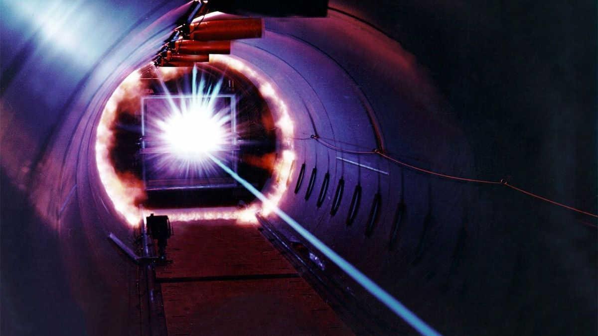 Láser desarrollado en Corea transmite datos hasta 10 mil veces más rápido