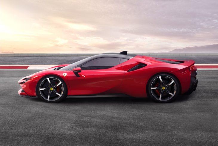 El Ferrari SF90 Stradale, uno de los coches más avanzados de 2021