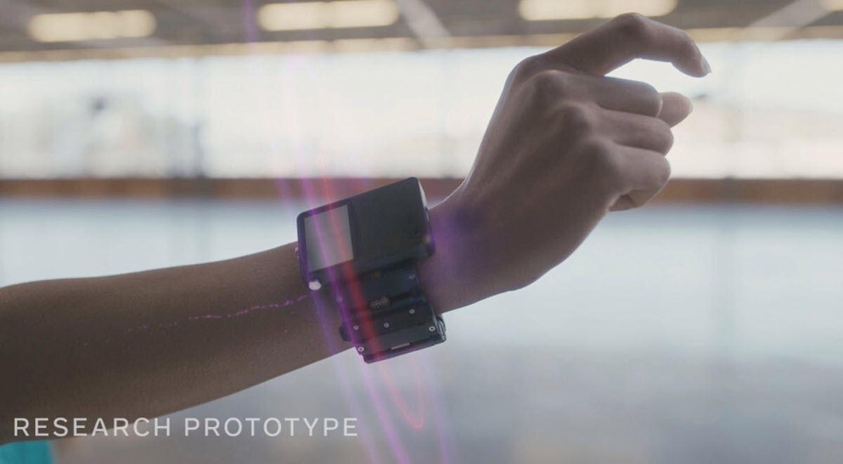 Facebook pulsera prototipo