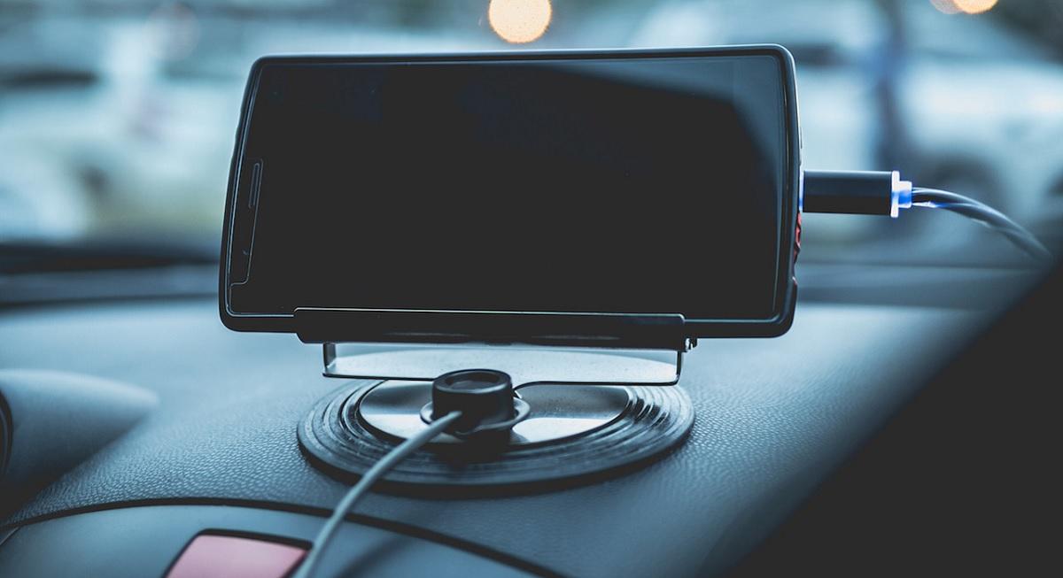 Problemas cargar smartphone en coche