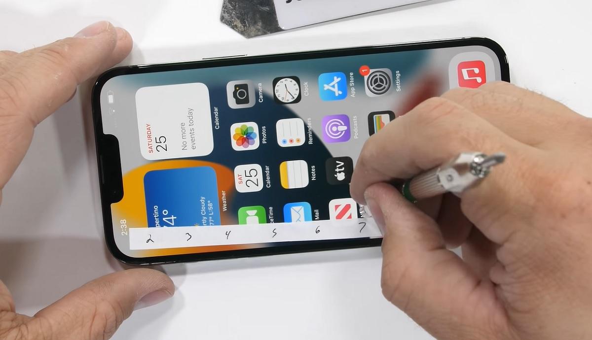 Prueba arañazos iPhone 13 Pro Max